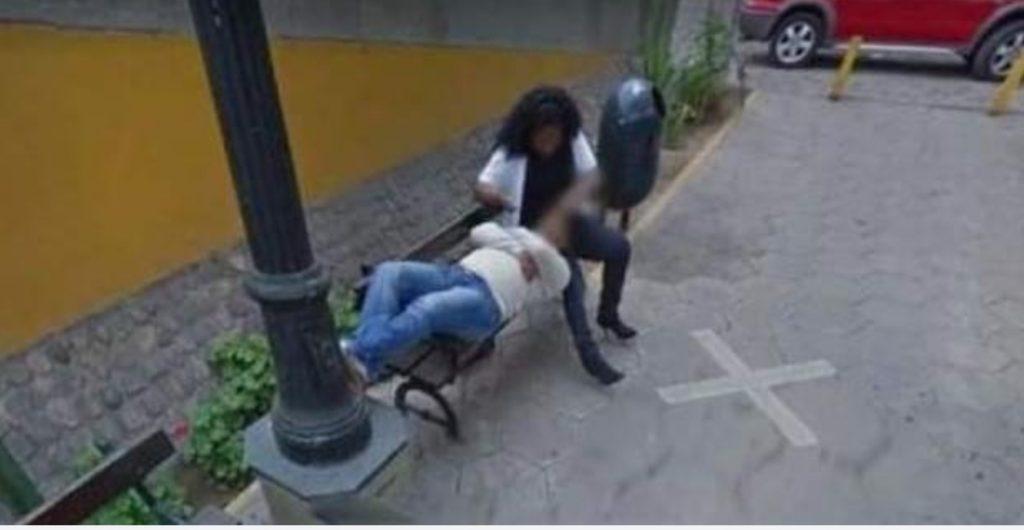 Scopre che la moglie lo tradisce mentre esplora su Google Maps