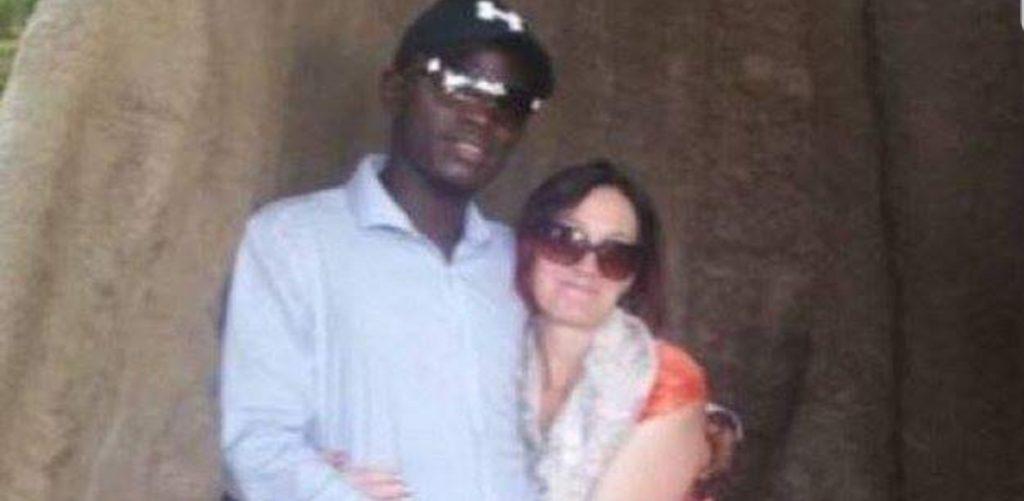 Lascia marito e 9 figli e scappa in Gambia per unirsi al suo toyboy conosciuto su Facebook