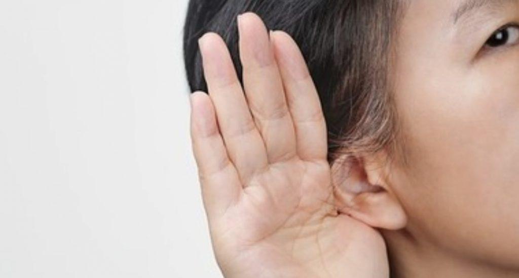 Donna diventa sorda, ma solo alla voce degli uomini: il raro caso avvenuto in Cina