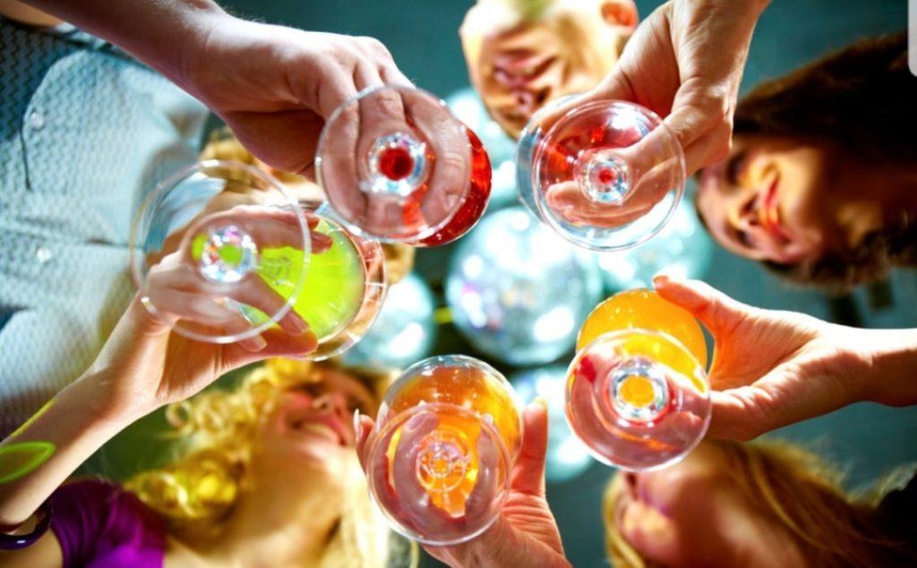 L'alcol aiuta meglio a parlare le lingue straniere: la ricerca