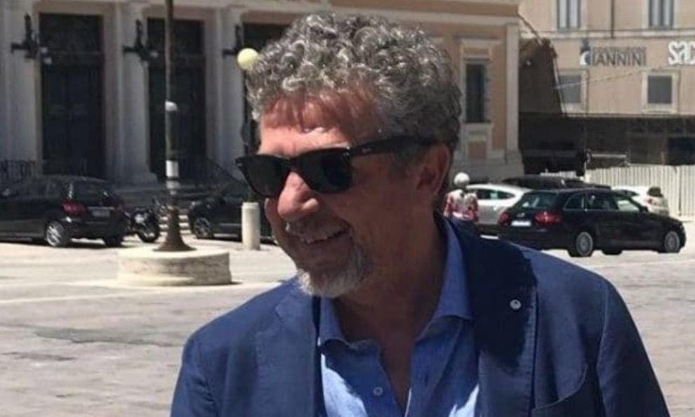 """Terremoto, il sindaco di Amatrice attacca: """"Governo discute solo di migranti, noi messi da parte"""""""