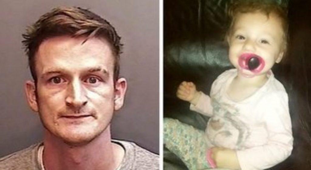 Picchia a morte la figlia di 2 anni della compagna, poi gioca alla PlayStation