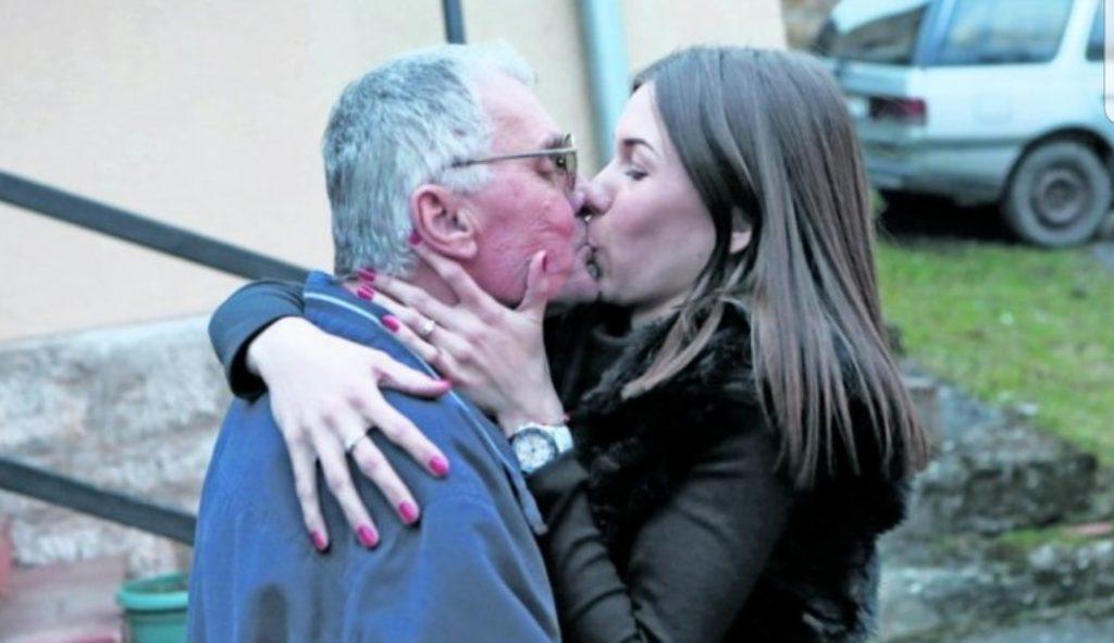 Vogliono avere un rapporto sessuale in un reality: lui 74 anni, lei 21