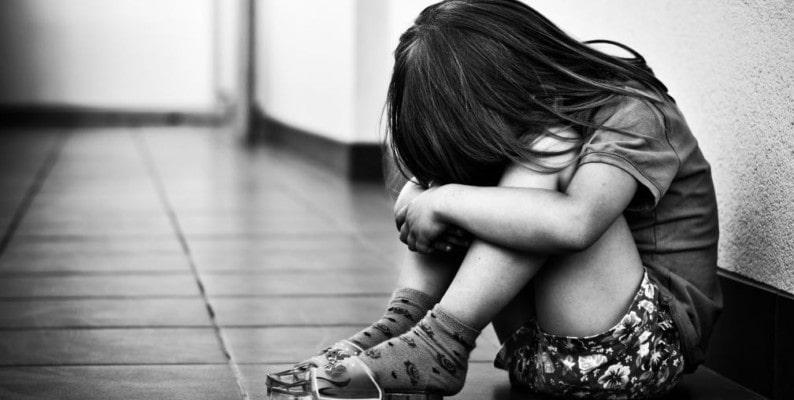 Potenza da incubo, bambina di nove anni violentata da padre e nonno