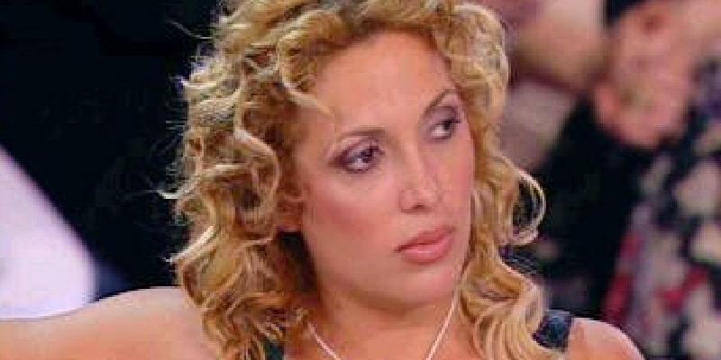 """Imma Di Ninni, il dramma: """"Ero una star della tv con la D'Urso, oggi faccio le pulizie e vivo in 15 mq"""""""
