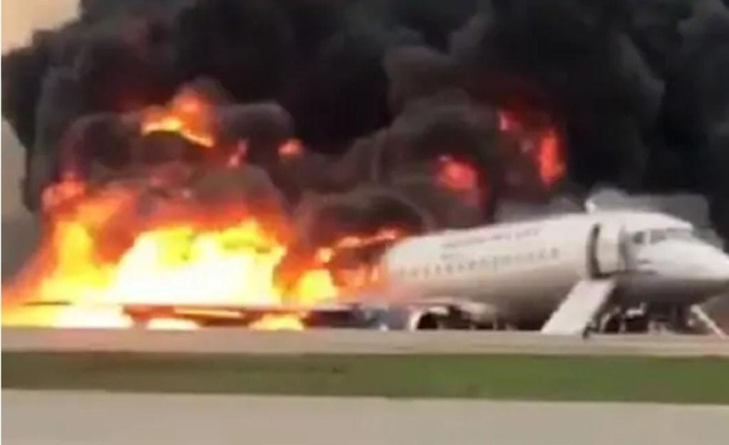 Disastro aereo: un morto e diversi feriti durante atterraggio d'emergenza