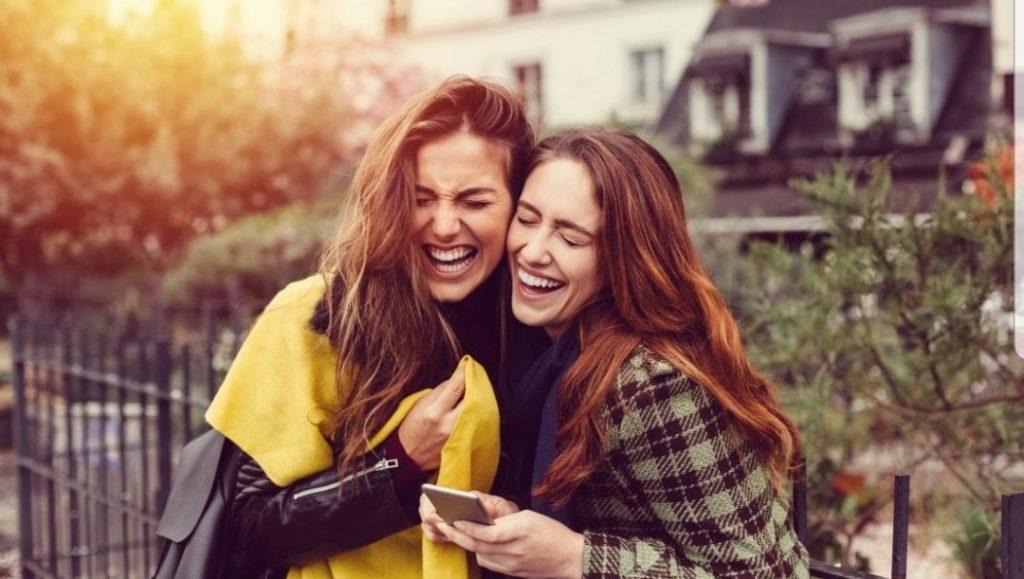 7 motivi per cui tua sorella maggiore è la donna più importante che tu possa avere nella tua vita