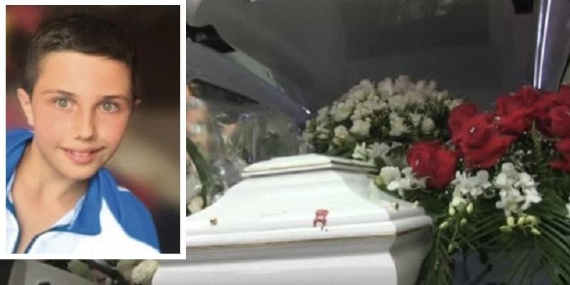 L'ultimo saluto a Samuele, stroncato dal cancro a soli 14 anni: il dolore della famiglia