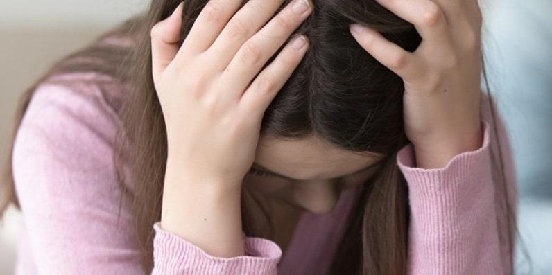 """Bergamo, ragazza di 16 anni registra e denuncia il nonno di 82 anni: """"La notte ha abusato di me"""""""