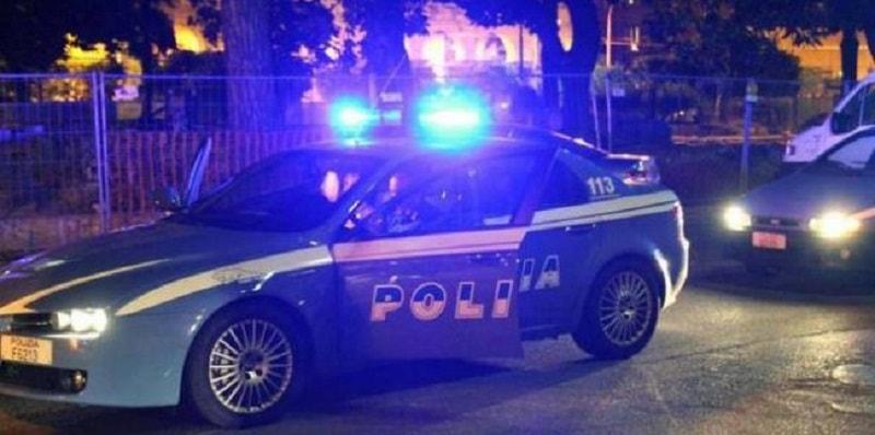 Pavia, dramma di gelosia: accoltella a morte la compagna e poi si uccide con una pistola