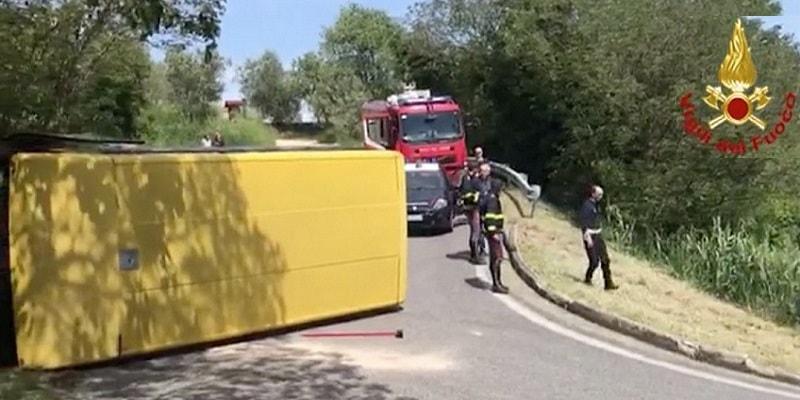 Padova, autista ubriaco si ribalta con lo scuolabus pieno di bimbi e scappa: aveva precedenti