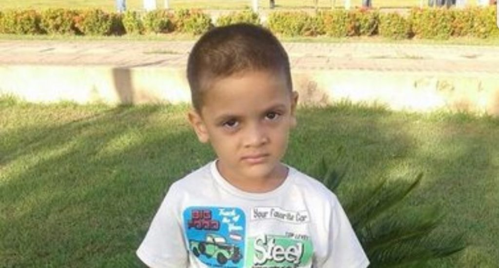 Mamma uccide e fa a pezzi il figlio di 9 anni: «Era diventato un peso economico»
