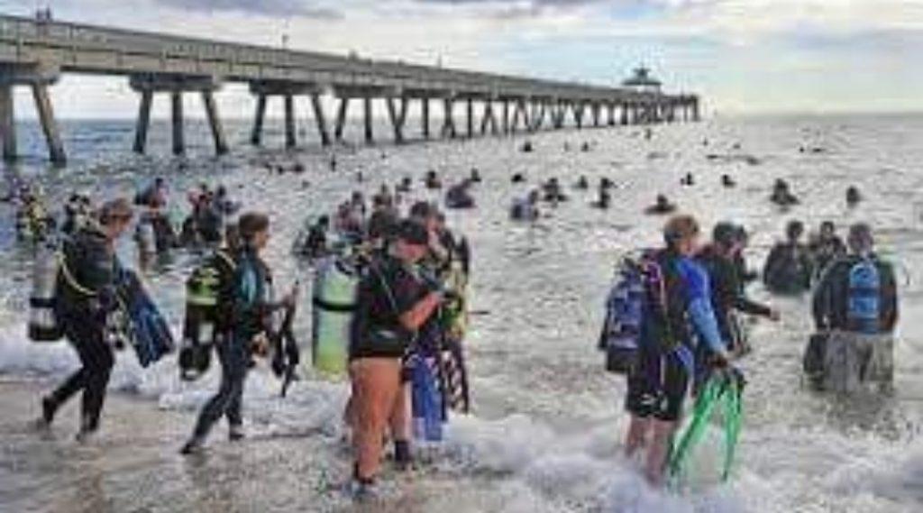 I subacquei hanno stabilito il record mondiale per la pulizia dei rifiuti dal fondo dell'oceano