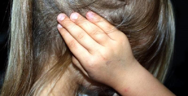 Genova, stuprata da quando aveva 11 anni: arrestati padre, madre e patrigno