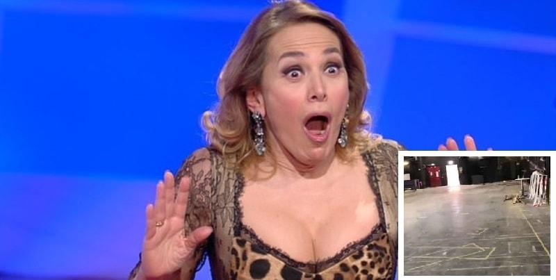 """""""Lo studio di Pomeriggio 5 è distrutto"""", Barbara d'Urso posta le foto sui social"""