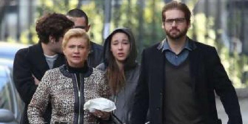 """""""Dobbiamo rientrare per un'urgenza"""", Aurora Ramazzotti interrompe le vacanze e preoccupa"""