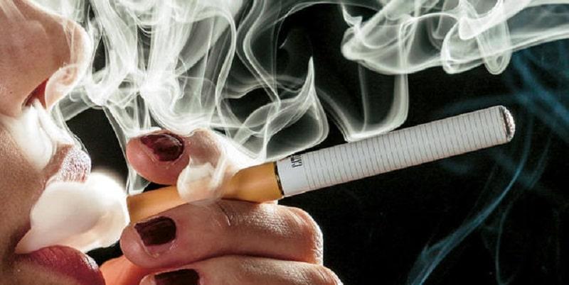 Primo caso di morte a causa della sigaretta elettronica, e ci sono già altri 200 casi