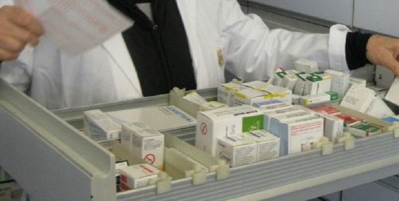 Antidolorifico per sindrome premestruale ritirato dalle farmacie: l'allarme lanciato da AIFA