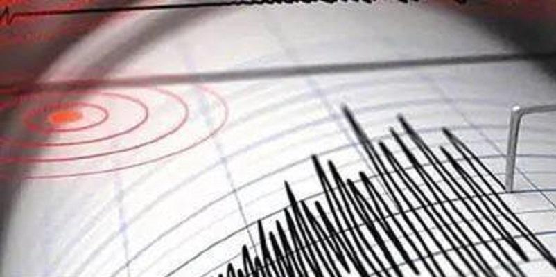Terremoto L'Aquila, forte scossa di magnitudo 4.4: gente in strada