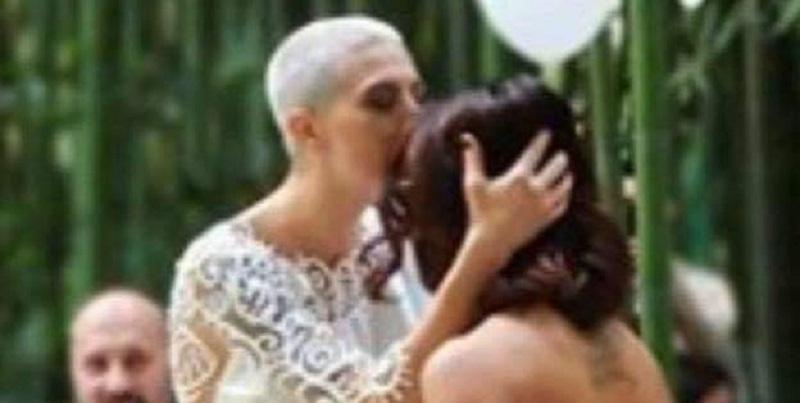 """""""In due si è più felici"""", la cantante ha sposato la sua bellissima Elisa (FOTO)"""