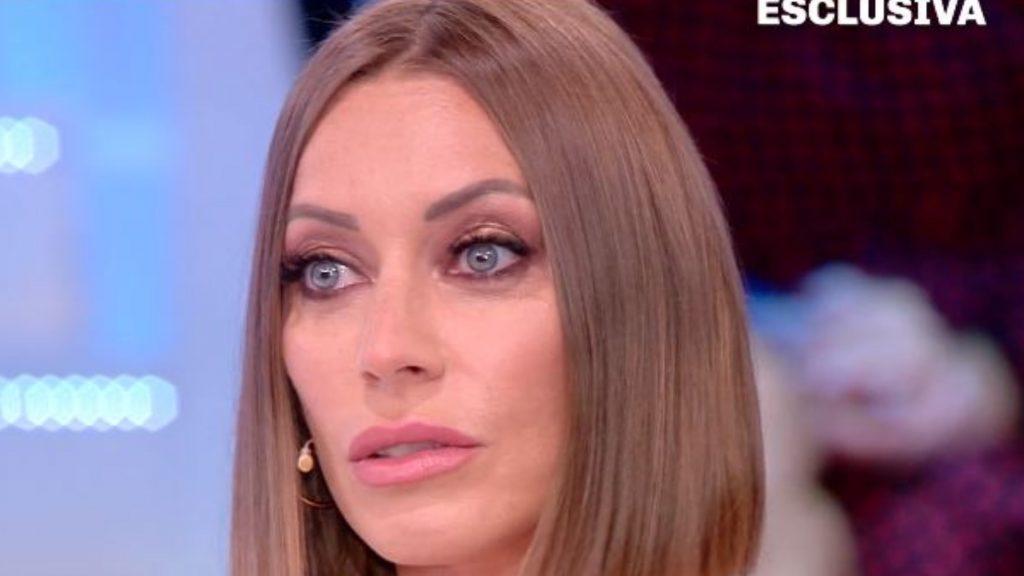 """Karina Cascella: """"Mio padre picchiava me e le mie sorelle, botte a mia madre mentre era incinta"""""""