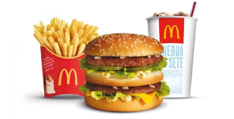 McDonald, bimba mangia una crocchetta e rischia di morire: ecco cosa ci trova dentro