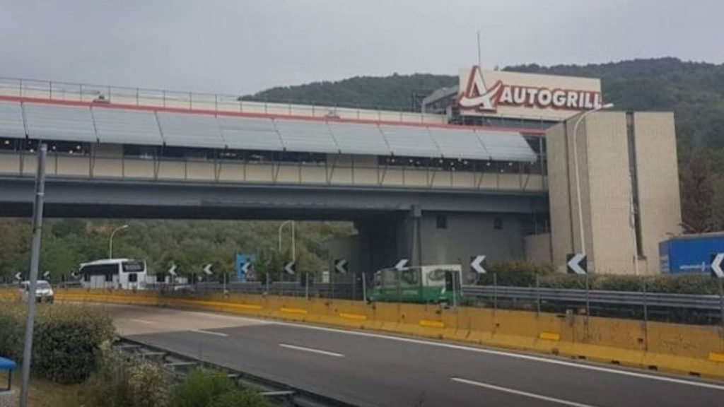 Turista cinese sviene in Autogrill |  scatta allarme Coronavirus |  area di servizio chiusa
