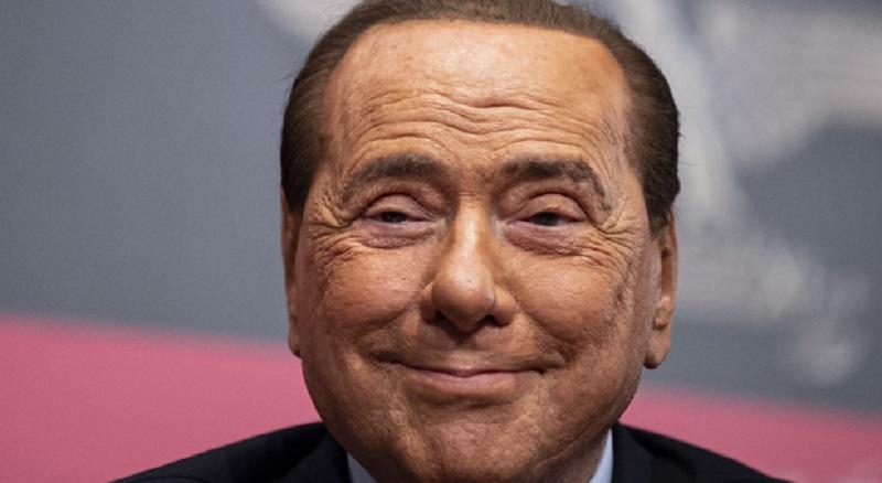 """Silvio Berlusconi si è sposato: """"Cerimonia intima e molto intensa"""""""