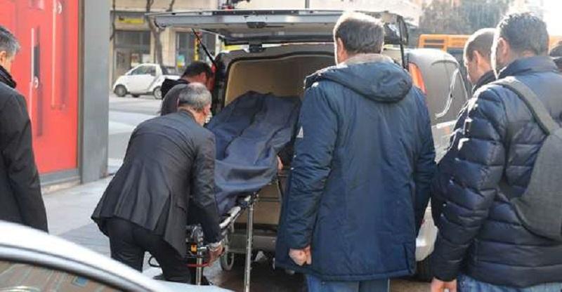 Carabiniere prende il caffè con i colleghi e poi un colpo di pistola alla testa: aveva solo 45 anni