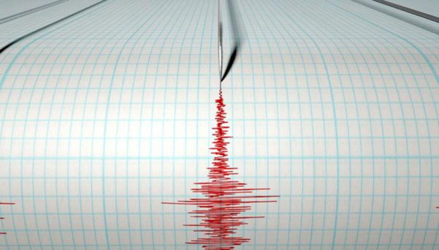 Terremoto Italia, due scossa di fila scuotono il Paese: tanta paura tra la gente che si è riversata in strada