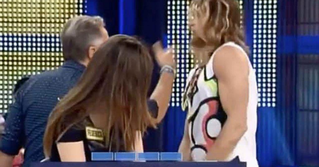"""Paolo Bonolis schiaffeggia Daniel Nilsson: """"Stai al posto tuo. Capito? Al posto tuo!"""""""