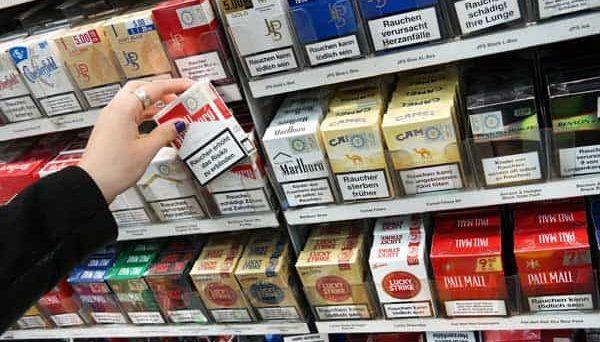 Sigarette, stangata sui prezzi: gli aumenti marca per marca