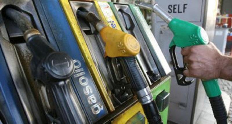 Coronavirus, chiudono anche i distributori di benzina: il comunicato