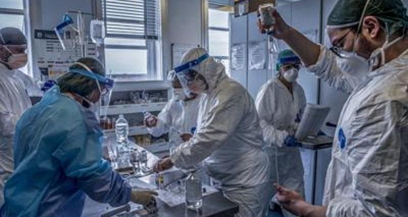 Covid, il bollettino di oggi: raddoppiati i contagi in meno di 24 ore