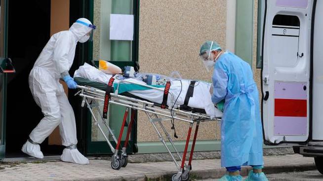 Coronavirus, nuovo focolaio in una casa di riposo, scoperti