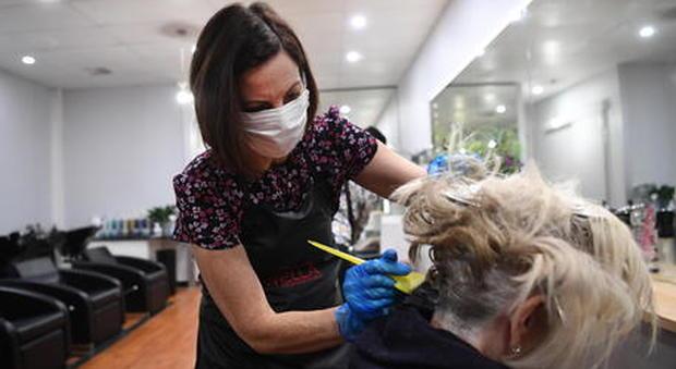 Nuovo Dpcm, chiusure: l'appello di estetisti e parrucchieri