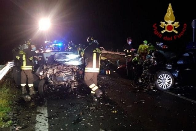 ULTIM'ORA Terribile scontro: morte due ragazze di 19 e 20 an