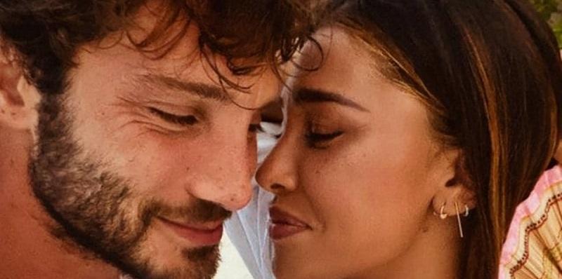 """Belen, colpo di scena: dichiarazione d'amore a Stefano sui social. """"Di nuovo insieme"""""""