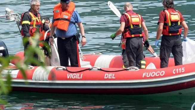 Elicottero precipita nel fiume: in corso le ricerche da part