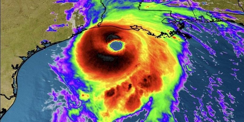 """Video Uragano Laura, si abbatte sulla terra: """"Più forte di Katrina, sarà una catastrofe"""""""