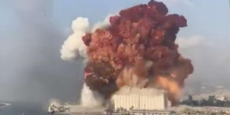 Esplosione pochi minuti fa, deflagrazione udita a chilometri di distanza: ecco il video