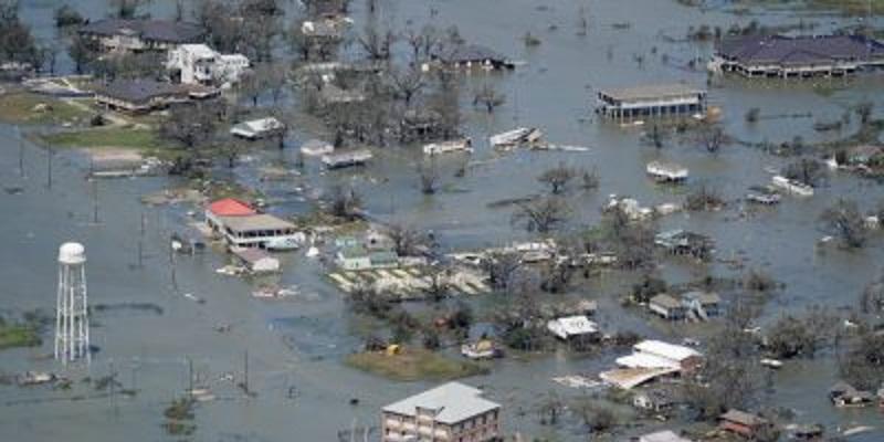 Uragano Laura, almeno 14 le vittime: edifici spazzati via (Video)