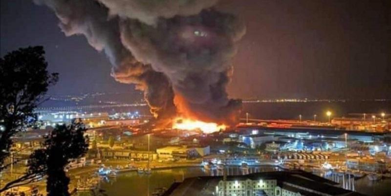 Italia, brucia la città: sindaco chiude tutto (Video)