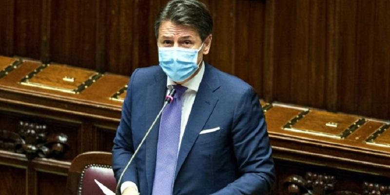 """Lockdown """"light"""" in Italia dal mese prossimo: ecco cosa prevede"""