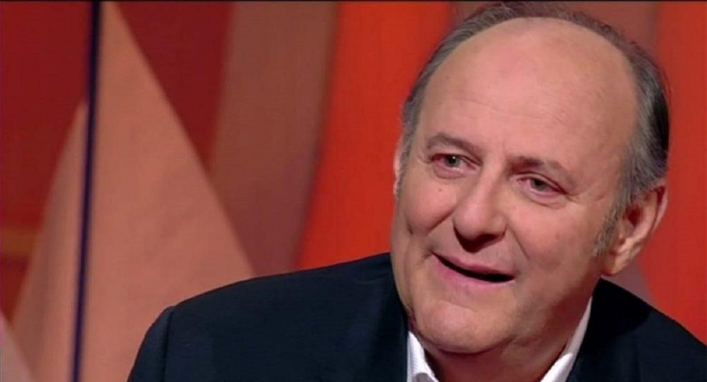 Gerry Scotti, il dramma in diretta Tv: «Purtroppo non ce l'ha fatta…». Silvia Toffanin scoppia a piangere