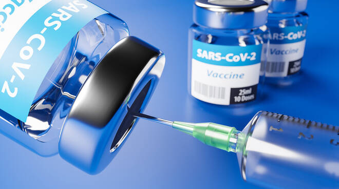 Vaccino pifizer, pessime notizie: l'annuncio di Arcuri poco fa