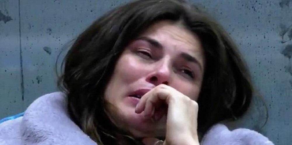 """GF Vip, Dayane Mello scoppia in lacrime e confessa tutto: """"Io la amo"""""""