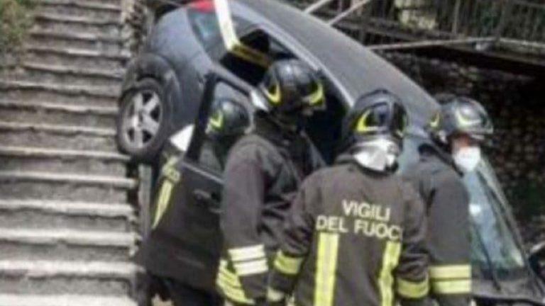 Italia, auto travolge intera famiglia: bimbo di 3 anni in gravissime condizioni