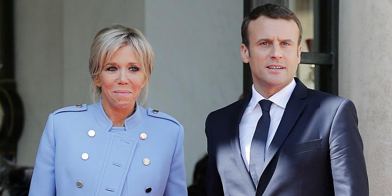 Macron preso a schiaffi davanti a tutti: il video