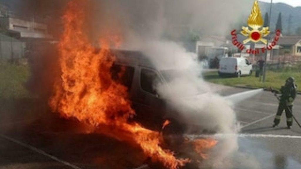 Italia, esplode pulmino il primo giorno di scuola